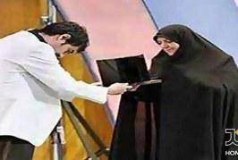 بانوئی که شهاب حسینی جایزه اش را به او تقدیم کرد ….